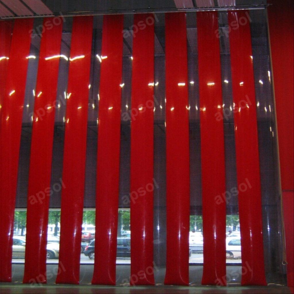 Lanière rouge opaque souple en pvc