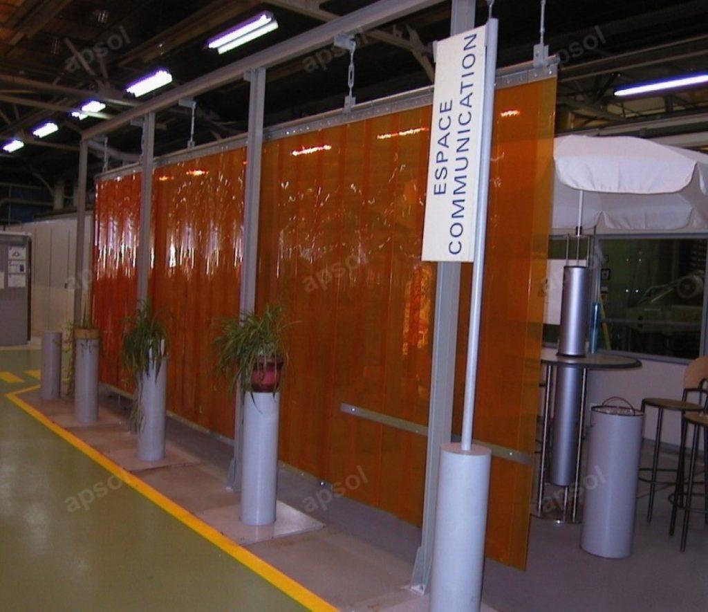 Systeme De Rideau Coulissant rideaux à lanières, portes, cloisons souples : fabrication